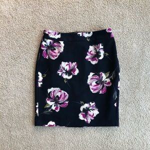 Ann Taylor navy blue floral pencil skirt